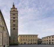 Prawie opustoszały piazza Del Duomo, Pistoia, Tuscany, Włochy obraz stock