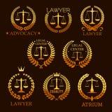 Prawnika złoty emblemat ustawiający z skala sprawiedliwość Zdjęcie Royalty Free