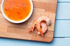 Prawns on cutting board Royalty Free Stock Photography