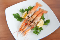 Prawns with lemon and parsley Royalty Free Stock Images