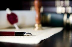 Prawo, adwokata temat Fontanny pióro i handmade papier Zdjęcia Royalty Free