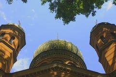 Prawosławna katedra przy jeden sławny cemetry po środku Niemcy Obraz Royalty Free