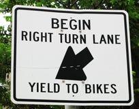 Prawy zwrota fedrunek roweru znak obrazy royalty free
