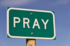 Pray o sinal imagens de stock