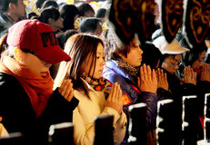Prayers in Chinese temple Stock Photos