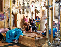 Prayers at the Stone of Anointing in the Holy Sepulchre Church Royalty Free Stock Photos