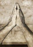 Praying do homem Imagem de Stock Royalty Free