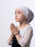 Praying fêmea novo bonito foto de stock royalty free