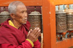 Praying man in Kathmandu Royalty Free Stock Images