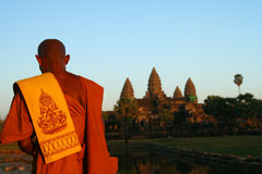 Praying monk at Angkor Wat Royalty Free Stock Photo