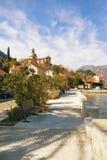 Prcanj沿海城市的堤防  黑山 免版税库存图片