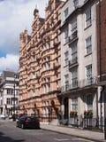Prédios de apartamentos da rua de Londres Imagens de Stock