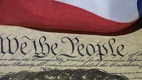 preámbulo de la Declaración de Derechos de 4k Estados Unidos a la constitución y a la bandera americana metrajes