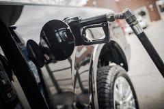 Preços de gás do reabastecimento do carro Imagens de Stock