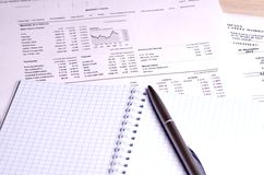 Preços de títulos como gráficos e tabelas Fotografia de Stock