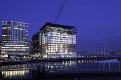 Pre-alvorecer da margem de Boston da construção nova Fotos de Stock Royalty Free