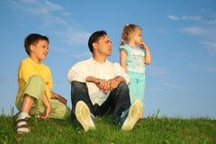 Père avec des enfants Photographie stock libre de droits