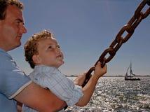 Père et fils comme Sailormen Photo stock