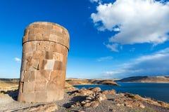 Pre Incan погребальная башня на Sillustani стоковые изображения rf
