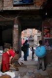Pre jordskalvgataplats Katmandu Nepal fotografering för bildbyråer