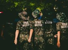 Pre wojsko Brazylijski wmarsz na ulicach Brazylia obrazy stock