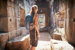 Preah可汗寺庙的游人在吴哥,柬埔寨 库存照片