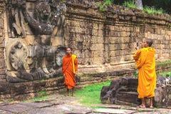 Preah可汗寺庙,做图片的Buddist修士 免版税库存照片