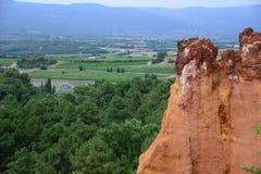 Precedente cava ocracea nel Roussillon, Francia Fotografie Stock Libere da Diritti