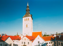Precedente st medievale Nicholas Church In Tallinn, Estonia Fotografia Stock