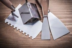 Precedenti ruspe spianatrici della pittura di angolo e coltello di mastice Immagini Stock