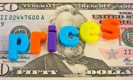 Precios en aumento: Dólar americano. Imagen de archivo libre de regalías