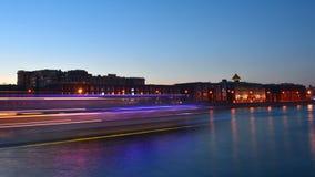 Precipitación de la puesta del sol en el río Fotografía de archivo
