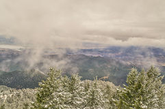 Precipitazione le nuvole e della nebbia Immagine Stock