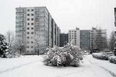 Precipitazioni nevose di inverno nella capitale del distretto di Pasilaiciai della città della Lituania Vilnius Immagine Stock