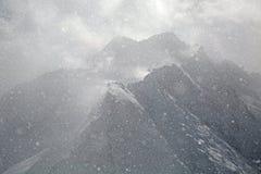 Precipitazioni nevose pesanti nelle alpi Immagini Stock