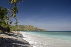Precis en typisk sikt från stranden på den Lombok ön Royaltyfri Fotografi
