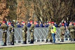 Precis för ceremonin av att avtäcka monumentet offren av en flygplanskrasch nära Smolensk Royaltyfria Foton