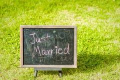 Precis gift garnering för att gifta sig Arkivfoton