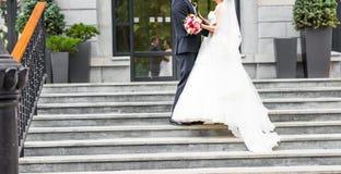 Precis gift par utomhus Royaltyfri Bild