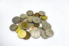 Precolocación del concepto del dinero del ahorro por el dinero que pone busin creciente de la pila imagen de archivo