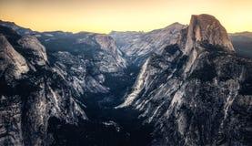 Predawn sulla valle di Yosemite Immagine Stock