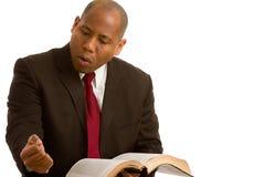 Predicatore che spiega la parola del dio Fotografia Stock Libera da Diritti