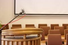 predikstol Mikrofon korridor fotografering för bildbyråer