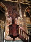 Predikstolen av kyrkan av San Pedro i Teruel arkivbild