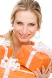 Preensão atual da celebração da mulher feliz Imagens de Stock Royalty Free
