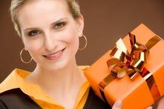 Preensão atual da celebração da mulher feliz Imagem de Stock