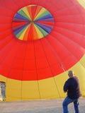 Preensão do balão fotografia de stock royalty free