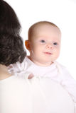 Preensões do Mum nas mãos do bebê. fotografia de stock royalty free