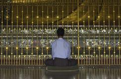 Pregando al Buddha Fotografia Stock