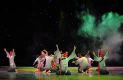 Pregando per il ballo di esorcismo di Nuo-The della pioggia- Fotografia Stock Libera da Diritti